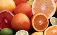 Los cítricos como naranja, limon y pomelo tienen mucha vitamina c